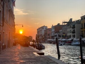 picture of sunset in Venice